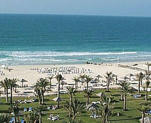 Hidden Beach Dubai Overview