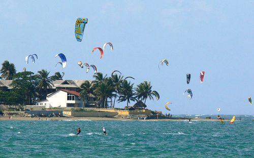 Free Fun Beach Dubai Overview