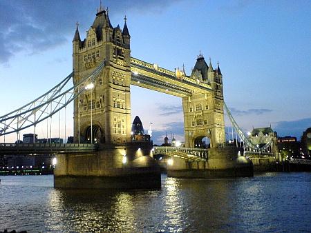London Bridge Trip in London, UK