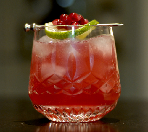 Pomegranate with vodka and lime recipe - Deseed pomegranate less one minute video ...