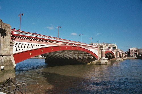 Bridges on River Thames in London