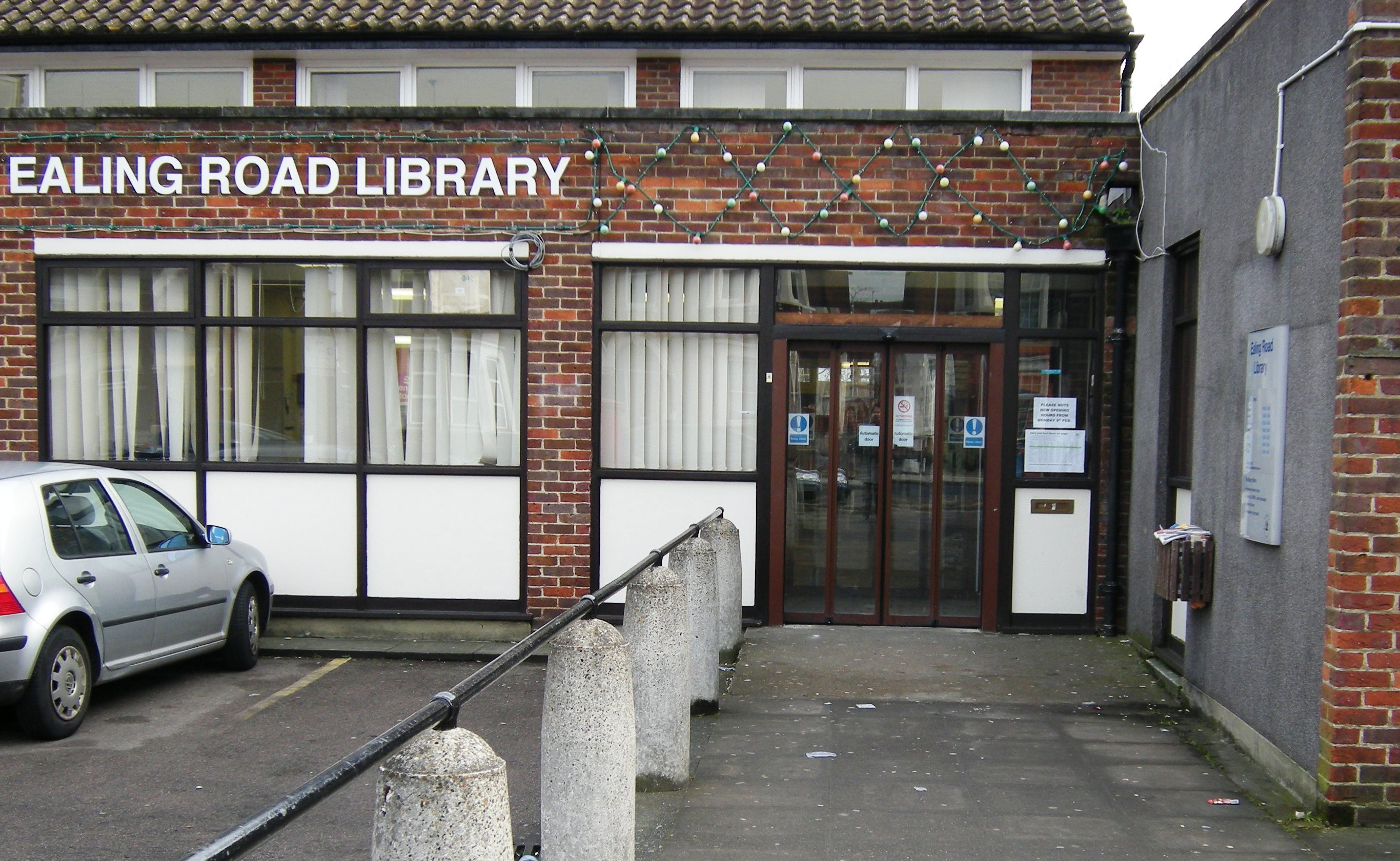 Ealing Road Library