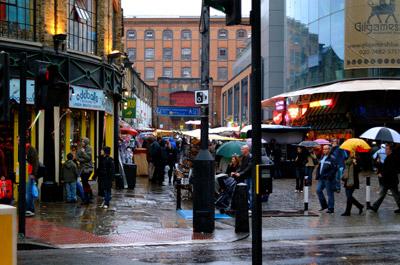 Shops & Amenities near Hatton cross station London