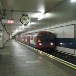 Train in tubestation