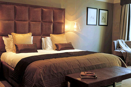 hotels and accomodation near heathrow airport terminal 5