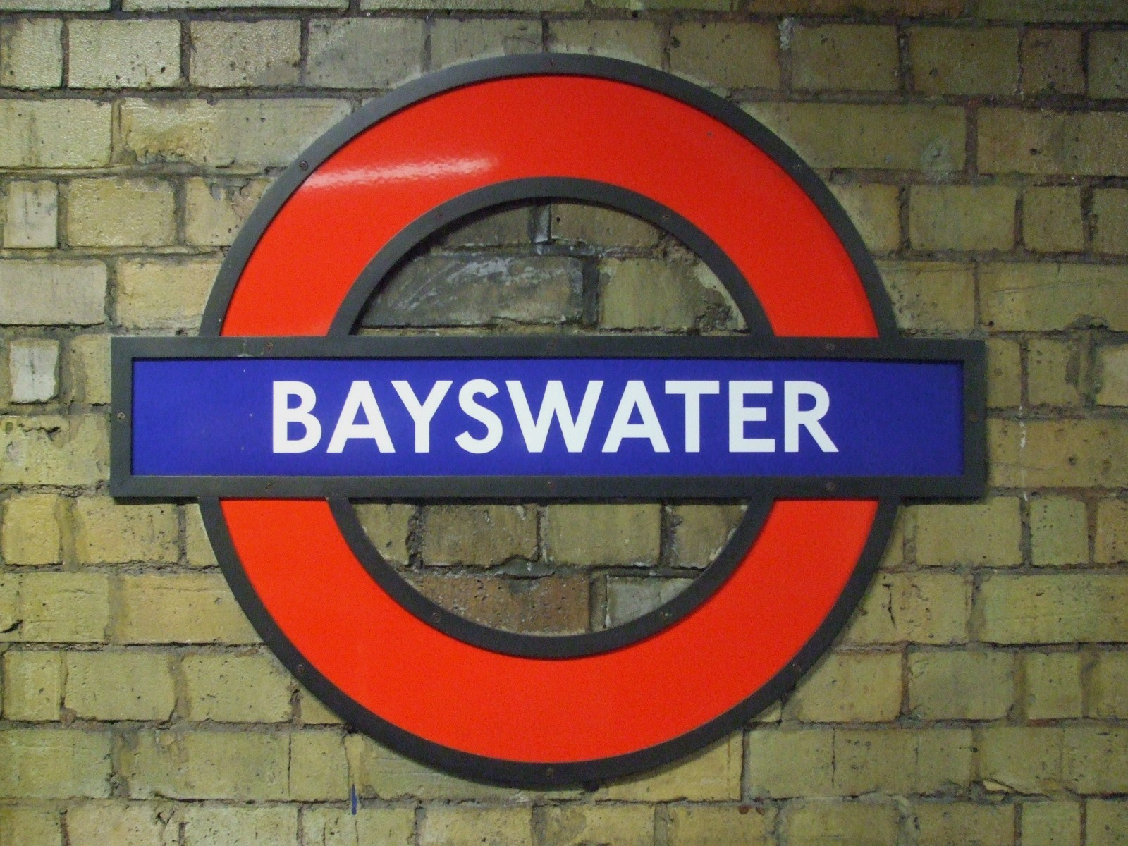 Bayswater tube station london for The bayswater