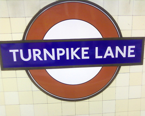 Guide to Turnpike Lane Tube Station in London