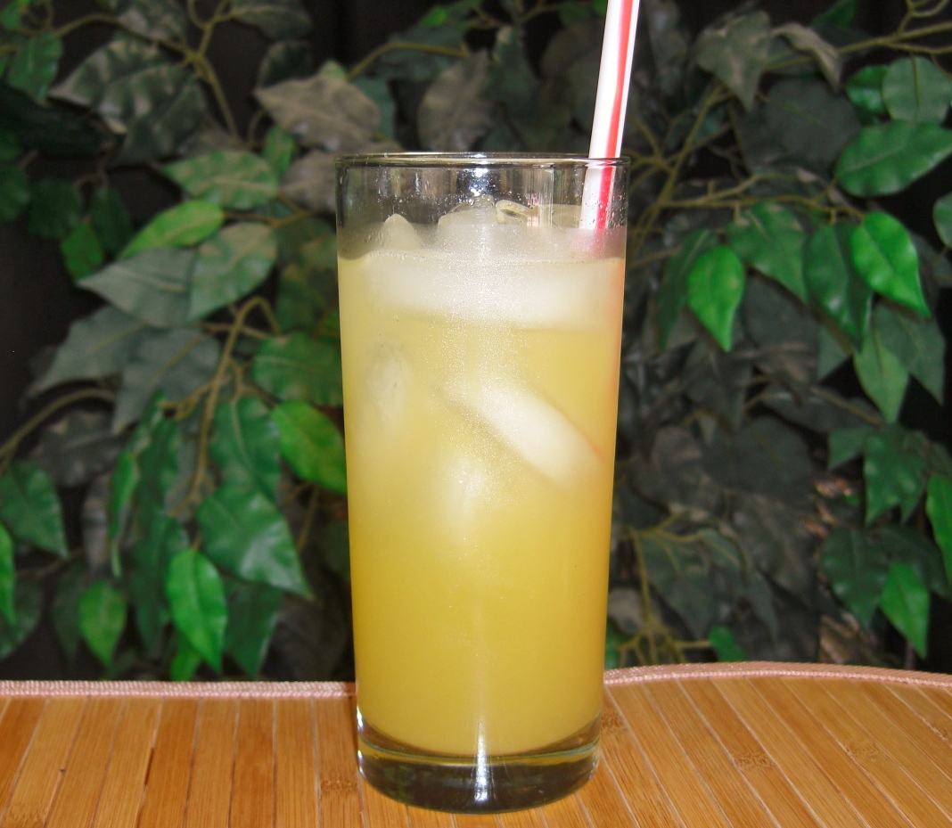 Making a Caribou Lou Cocktail