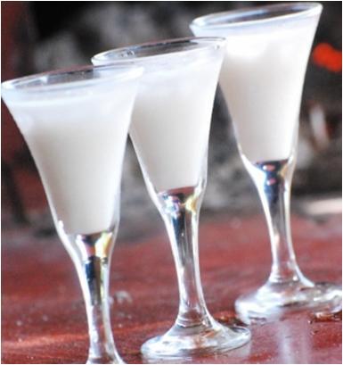 How to Make a Leite De Onca Cocktail