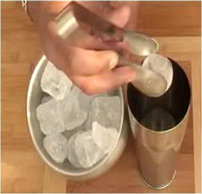 http://www.stepbystep.com/wp-content/uploads/2012/05/Place-Ice-cubes-in-cocktail-shaker.jpg