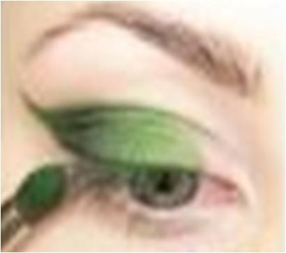 Apply green eyeshadow