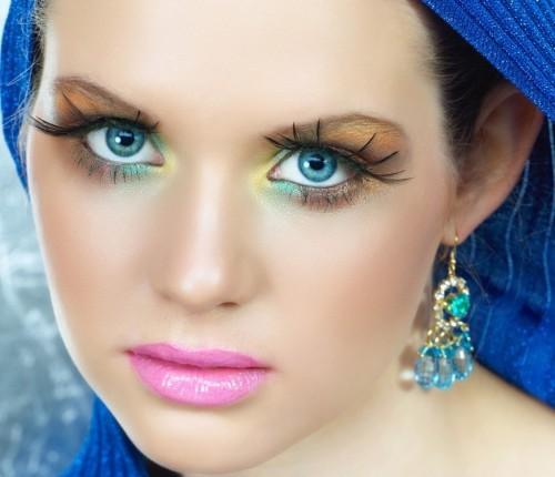 Make Blue Eyes Pop