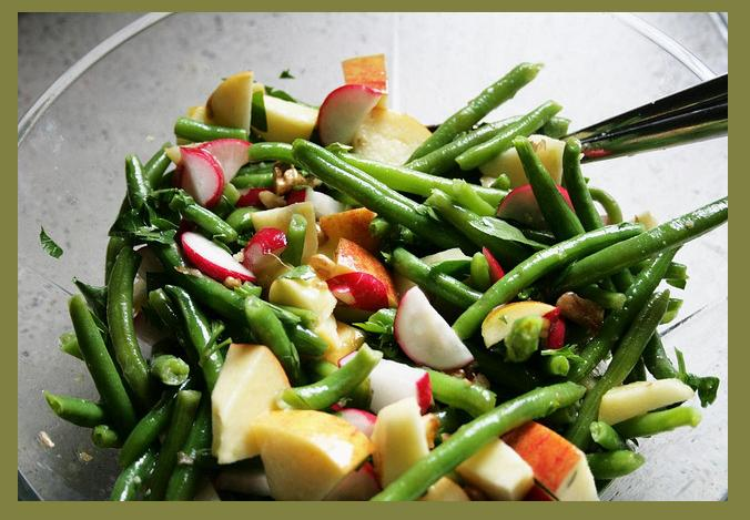 beetroot apple and green bean salad