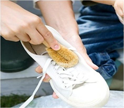 How to wash sports shoes - How to clean shoes ...