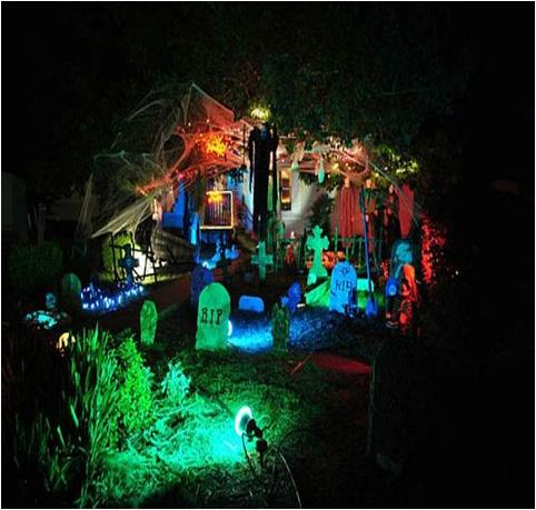 Decorate Yard for Halloween