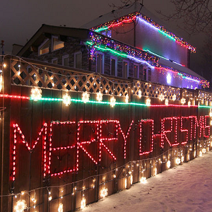 How to Make Signs with Christmas Lights