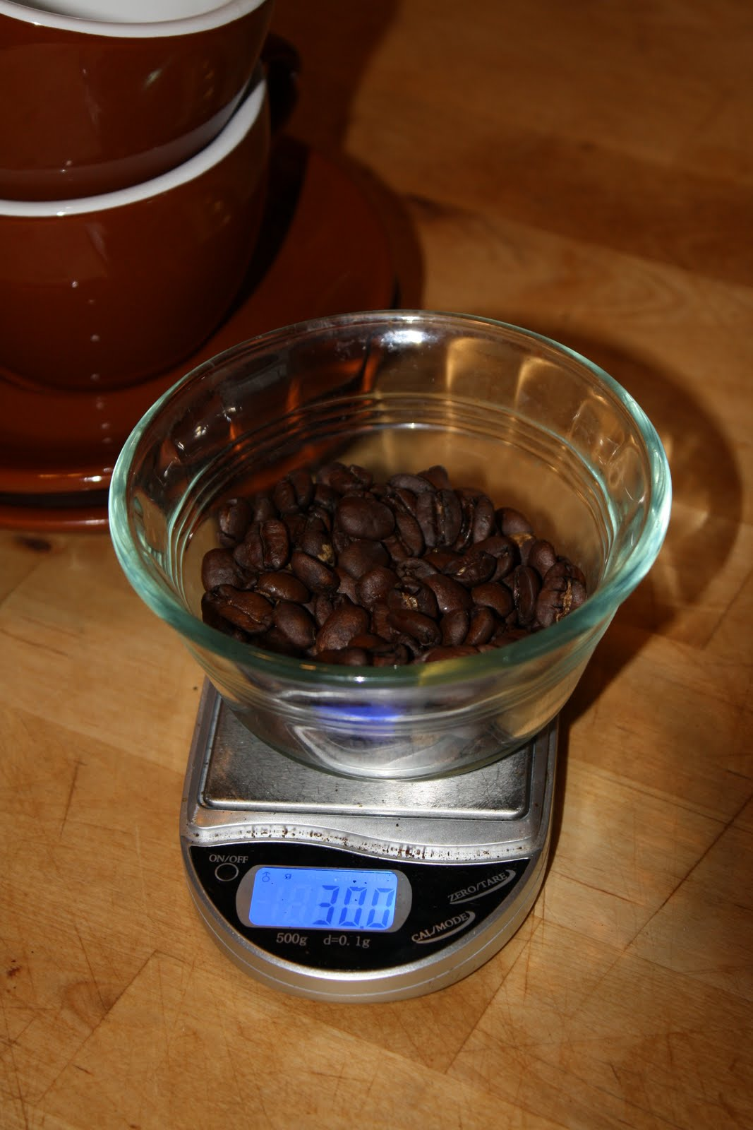 Weighing the coffee