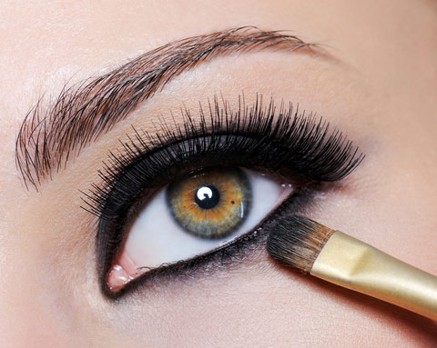 winter look eyeliner