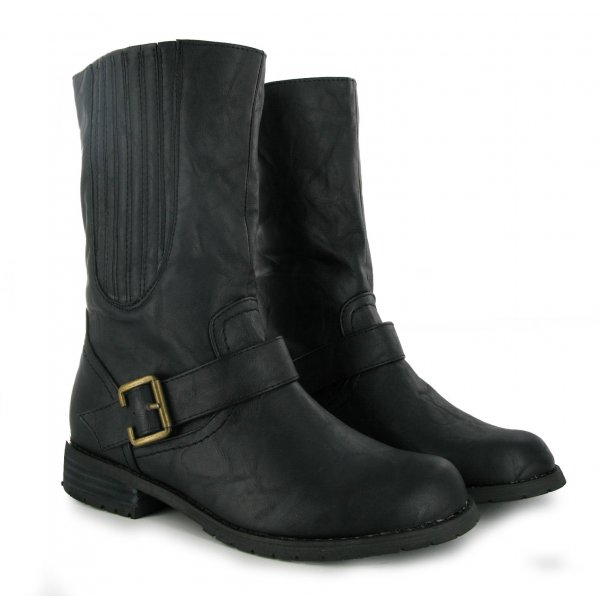 Tips about How To Care for Leather Boots in Winter