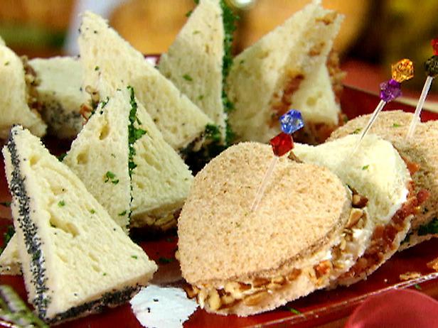 Make Finger Sandwiches