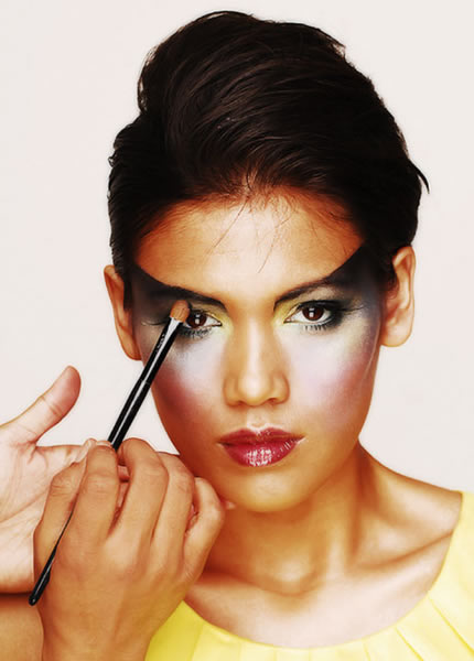 How To Apply An Avant Garde High Fashion Makeup Look