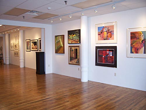 How to Contact Art Galleries to Purchase Items