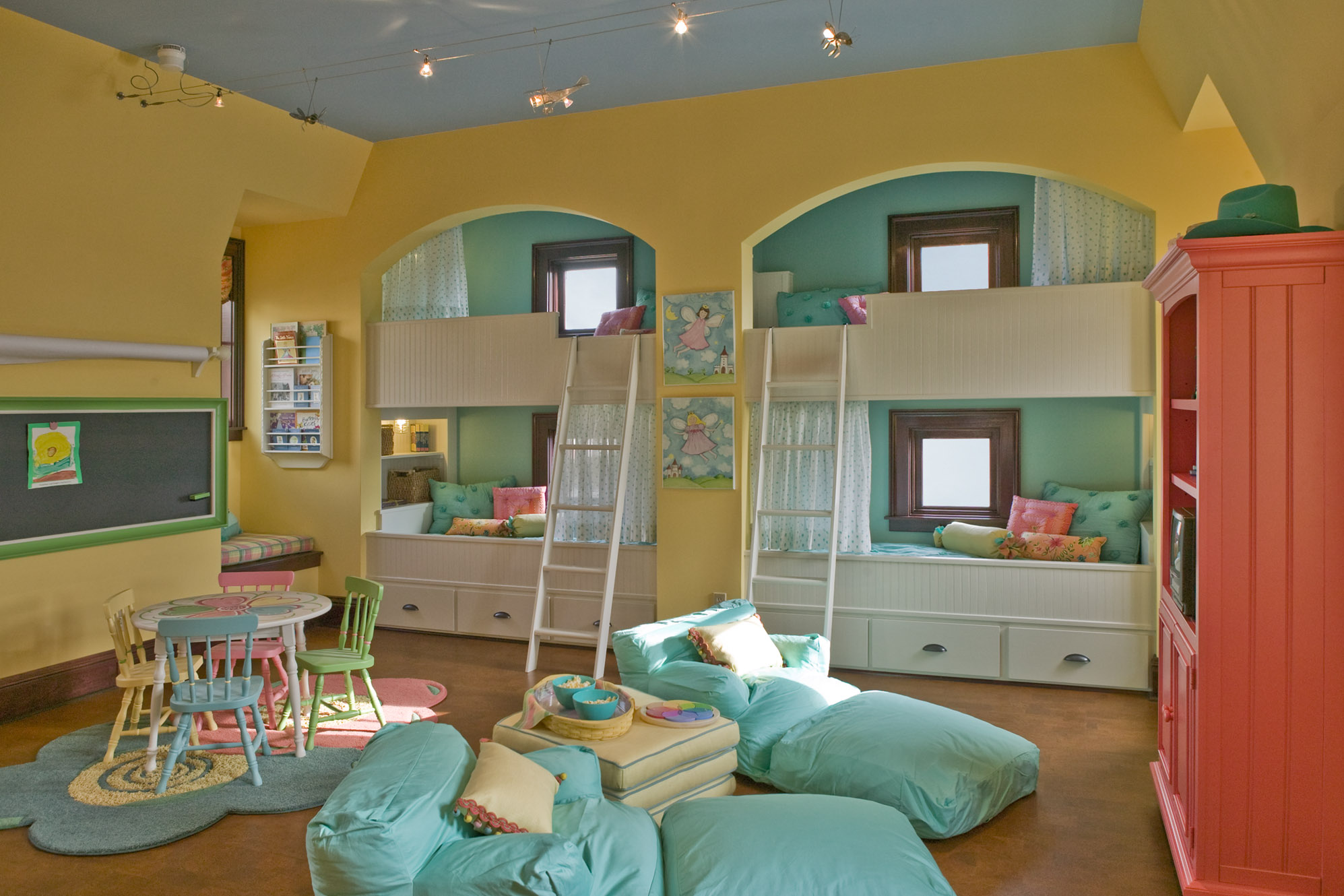 How to create the perfect playroom - Small space playroom ideas ...