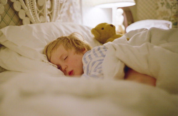 how to develop good sleeping habits for baby