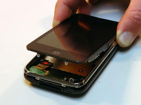 Dismantling Iphone