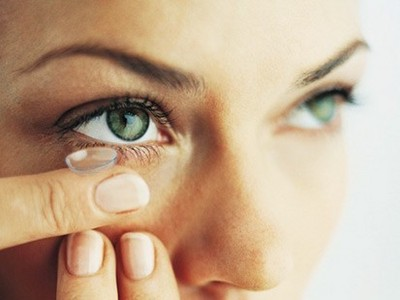 how to avoid contact lens infection