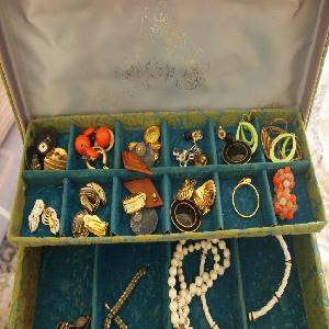 Identify Vintage Costume Jewelry