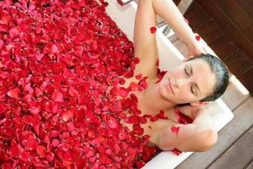 Natural Mood Enhancing Baths