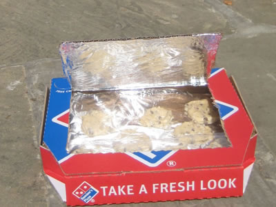 Making Solar Oven from a Pizza Box