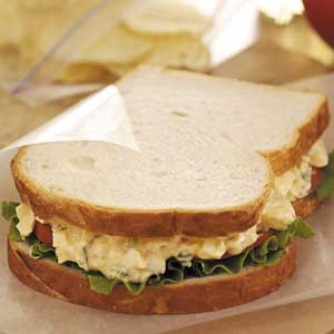 how to make salad sandwich