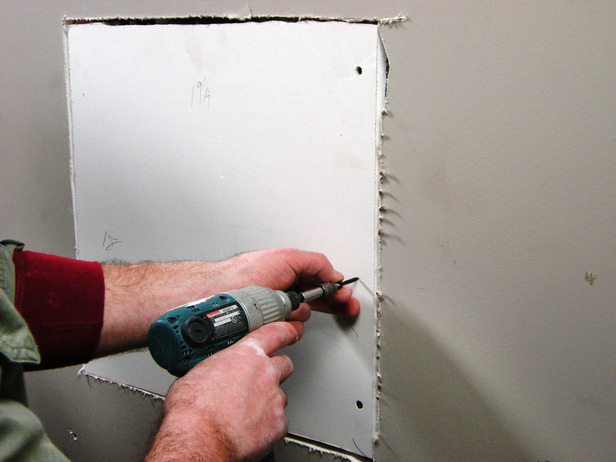 How To Replace Moulding And Repair Drywall Cracks