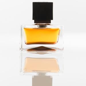 how to spot fake designer perfumes. Black Bedroom Furniture Sets. Home Design Ideas