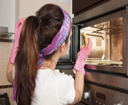 clean your microwave with vinegar