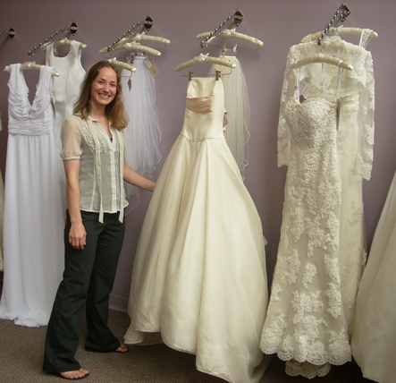 how to sell a wedding dress online