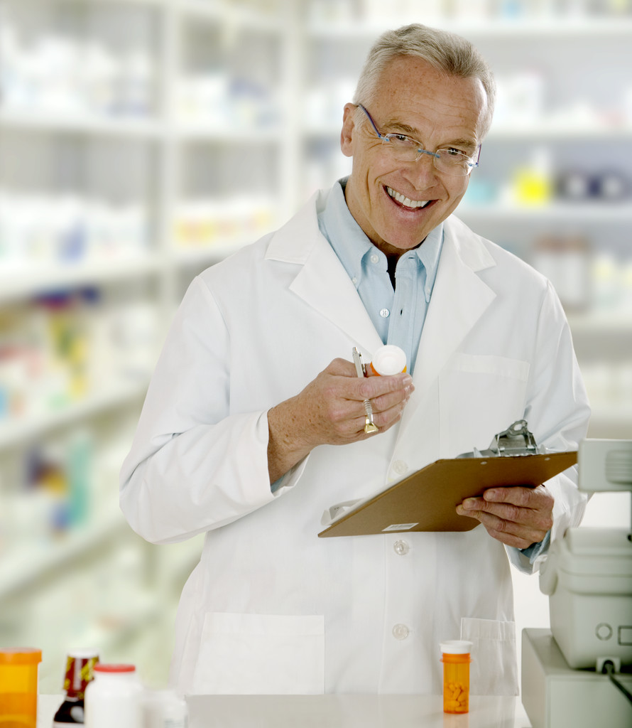 What are the steps of becoming a pharmacist?