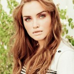 4 Ways to Make Soft Waves in Your Hair With & Without Heat