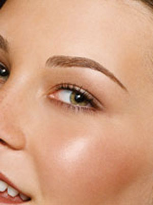 Well-Shaped Eyebrows