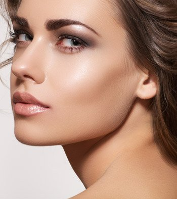 Tips about How to Correct Undefined Cheekbones Using Make Up