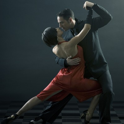 Dancing Argentine Tango Steps