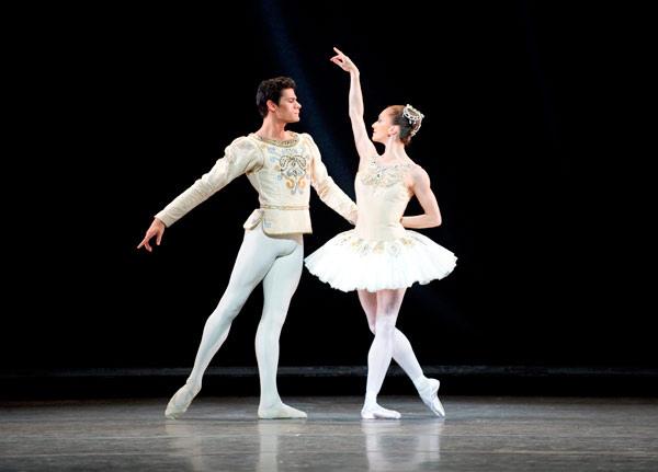 Couple doing ballet