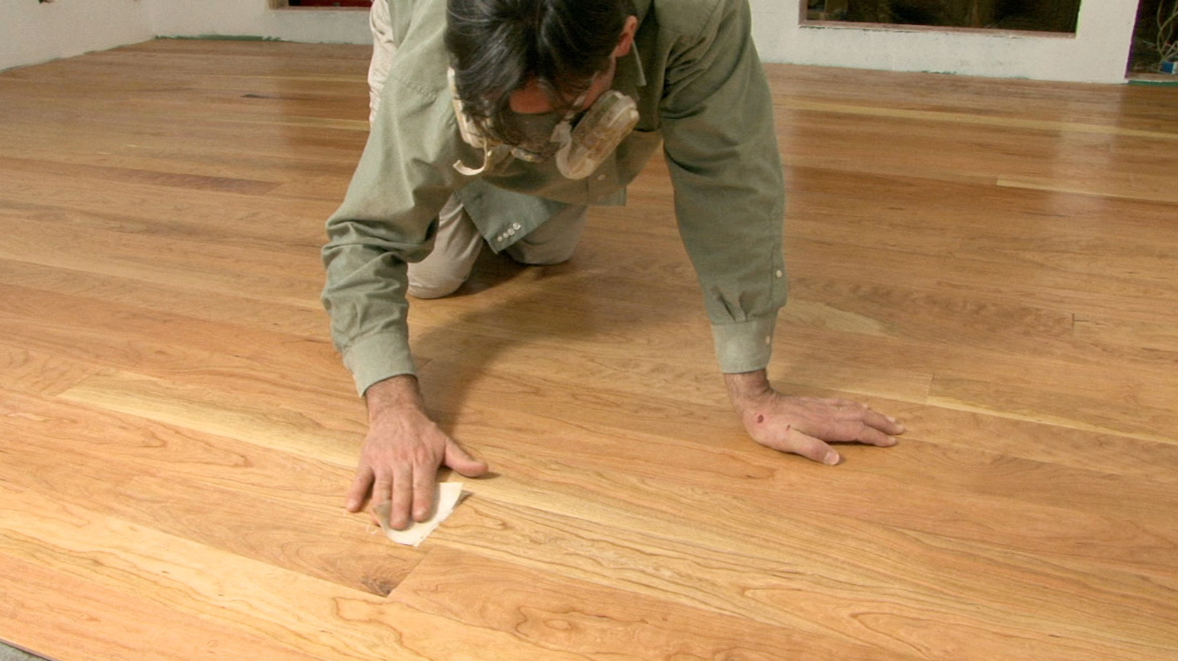 How to install reclaimed hardwood flooring for Laying flooring