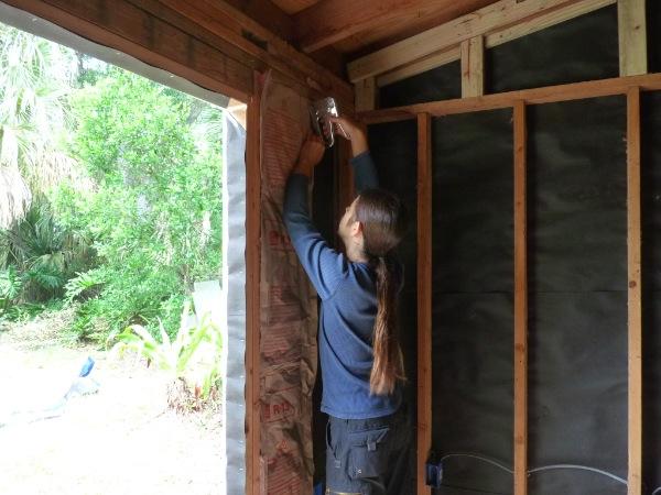 insulating a garden shed garden ftempo. Black Bedroom Furniture Sets. Home Design Ideas