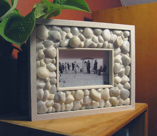 How To Make A Pebble Picture Frame
