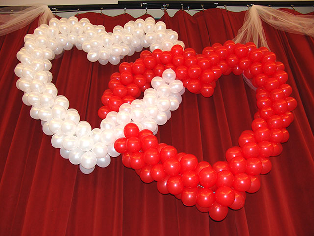 how to make a valentines day balloon arch