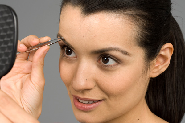 Trim and Shape Your Eyebrows