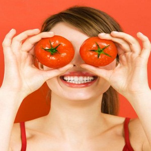 Tomato to Clean Your Skin